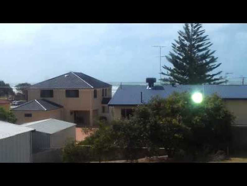 UFO News ~ TRIANGLE OVER LONG ISLAND NY and MORE Hqdefault_8